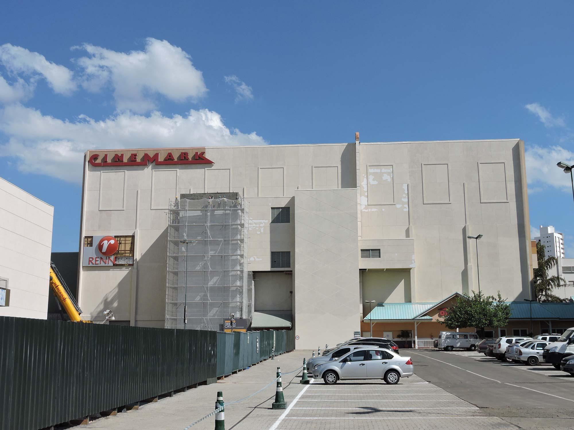 Shopping Iguatemi Campinas – Caixa de Escadas de Emergência dos Cinemas